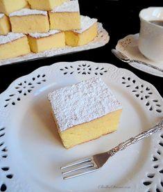 Klasyczny Sernik Wiedeński Siostry Anastazji - Przepis - Słodka Strona Cornbread, Cheesecake, Menu, Ethnic Recipes, Cakes, Food, Cooking, Menu Board Design, Meal