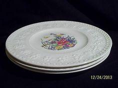 Wedgwood Wellesley Tintern Dinner Plates ( 3 ) England Dinnerware Pattern