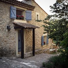 french summer beach house | 17th century house for holiday rental, private pool, Bagnol-en-Foret ...