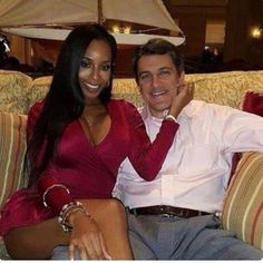 With over 15 years of experience, interracial dating boasts of hundreds of thousands of members who are willing to forge lifetime… Interacial Love, Interacial Couples, Black And White Dating, Dating Black Women, Mixed Couples, Couples In Love, Power Couples, Black Woman White Man, Black Love