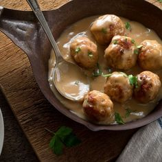 Delicious and Quick Swedish Meatballs are Comforting and Rich Healthy Meatballs, Minced Meat Recipe, Easy Skillet Meals, Best Comfort Food, Vegetable Drinks, Healthy Eating Tips, Healthy Nutrition, Convenience Food, Food Lists