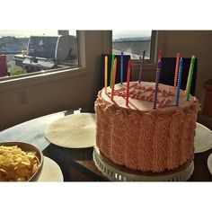 Buttercream rope on huge cake
