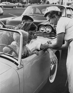 Drive-in clinic for the polio shot Los Angeles 1960s. [500 x 638] #interesting