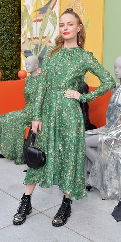 Kate Bosworth wearing Dress – H&M Shoes – Alexander McQueen Purse – Salvatore Ferragamo Kate Bosworth Style, Star Fashion, Fashion Trends, Daily Fashion, Women's Fashion, Fashion Advice, Spring Outfits, Plus Size Fashion, Nice Dresses