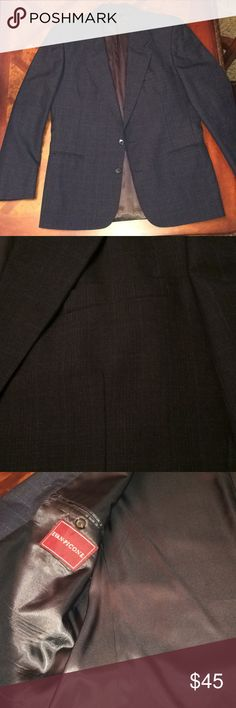Men's GORGEOUS Evan-Picone Sport Coat. Beautiful navy with very intricate window pane contrasting. Fully lined, 3 interior pockets, 4 button cuff. A real winner. Size 42R Evan Picone Suits & Blazers Sport Coats & Blazers