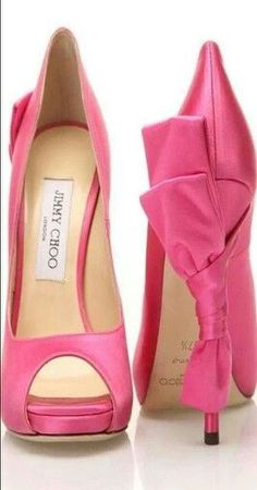 Perfect for the dainty woman I am; I love pink & bows equally. This Jimmy Choo is speaking to me!