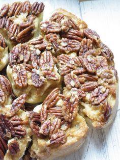 cinnamon & sugar biscuit rolls with pecans