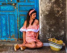 """Presentamos NUEVA COLECCIÓN en el market pop up """" @flamingoweekend """"!!! (Días 9 10 y 11 de junio)  Vestido y pañuelo: PioCCa  Capazo: Nani Q para PioCCa Modelo: Rocio  Fotografía: José Soriano  @erespiocca @rociogenoves @jose_andres_88 #piocca #nuevacoleccion #hombre #mujer #flamencos #flamingoweekend #market #accesorios #vestido #sorpresas #capazos #edicionlimitada #marca #moda #emprendiendo #laisletadelmoro #almeriatrending #almeria"""
