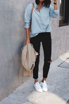 Chambray denim and stan smith sneakers. Chambray denim and stan smith sneakers. Chambray denim and stan smith sneakers. Chambray denim and stan smith sneakers. The post Chambray Sneakers Outfit Summer, Sneaker Outfits Women, Sneakers Fashion Outfits, Mode Outfits, Casual Outfits, Sneakers Style, Jeans And Sneakers Outfit, Dress Casual, Jeans Fashion