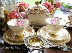 Oh, Miss Hattie would've love this Tea Set for her boardinghouse in TWO BRIDES TOO MANY.