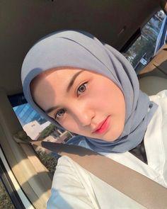 Hijabi Girl, Girl Hijab, Hijab Outfit, Beautiful Muslim Women, Beautiful Hijab, Hijab Makeup, Stylish Hijab, Street Hijab Fashion, Muslim Fashion