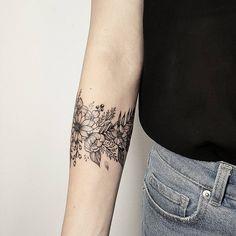 Wildblumen danke danke Wildblumen is part of Anchor Compass tattoos Waves - Wildblumen Danke Vielen Dank Wildblumen Source tattoo designs, tattoo, small tattoo, meaningful Tropisches Tattoo, Tattoo Band, Piercing Tattoo, Tattoo Quotes, Piercings, Tattoo In Arm, Around Arm Tattoo, Nature Tattoo Sleeve, Samoan Tattoo
