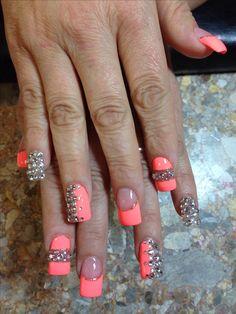 Bling nail art