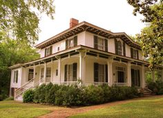 The National Register homes in this Tennessee town trace its evolution from frontier settlement to s... - Flickr via brent_nashville
