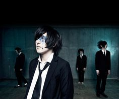 "xaa-xaa's drummer Roji departed on August 11th and their new drummer An joined in September. You know him as ""boogie"" in ex-ELM, for example. Welcome An! This is their new look! xaa-xaa…"