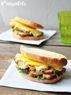 Curried Chicken-mango sandwitch