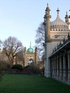 Brighton Royal Pavilion gardens - photographer: Robert Bovington  http://bovingtonbitsandblogs.blogspot.com.es/