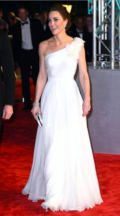 Baftas 2019 - Kate Middleton stuns in Alexander McQueen dress and pays tribute to Princess Diana with her earrings as she arrives with Prince William Rachel Weisz, Alexander Mcqueen Kleider, Alexander Mcqueen Dresses, Royal Albert Hall, Irina Shayk, Cate Blanchett, Christopher Kane, Amy Adams, Lily Collins