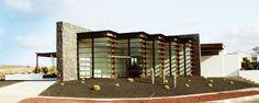 Detalle de las singulares oficinas de Las Coloradas en Lanzarote. Islas Canarias.
