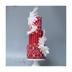 A gallery of fondant and gum paste wedding cakes from cake decorators around the world inspired by the color red. Wedding Cake Red, Amazing Wedding Cakes, Wedding Cake Designs, Amazing Cakes, Gorgeous Cakes, Pretty Cakes, Violet Cakes, Artist Cake, Red Cake