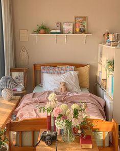 Room Design Bedroom, Room Ideas Bedroom, Bedroom Decor, Bedroom Inspo, Pastel Room, Cute Room Decor, Study Room Decor, Indie Room, Pretty Room