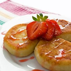 Cottage Cheese Dessert Pancakes-these look so yummy! and healthy too:)