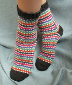 Chaussettes en laine tricotés à la main mince pour par Albinaroz Striped Socks, Mince, Hand Knitting, Articles, Etsy, Black, Women, Fashion, Socks