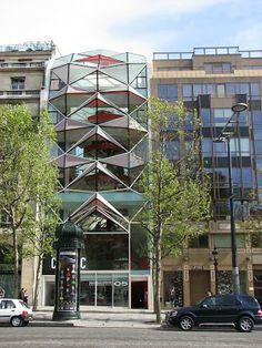 Espace Citroën (2007) architecte : Manuelle Gautrand, 42, avenue des Champs-Elysées, Paris 8e