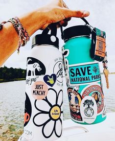 more hydro flask inspo;) 🐚🌸 q: fav holiday? a: christmas ✨🎄 —fc; Hydro Flask Water Bottle, Cute Water Bottles, Stickers On Water Bottles, Vsco Pictures, Water Bottle Design, Just Peachy, Summer Aesthetic, Aesthetic Pics, Bottle Art
