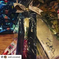 #Repost @well.covered with @repostapp  My first purchase from Fude Japan thank you so much Toshiya! My Hakuhodo Snoopy brush  @fudejapan #fudejapan #hakuhodo #snoopy #fude #sweetmakeuptemptations #brushaddict #makeupaddict #underthechristmastree #merrychristmas #japan #japanesebrushes
