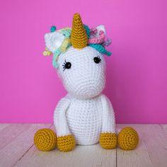 Free Crochet Unicorn Pattern - thefriendlyredfox.com