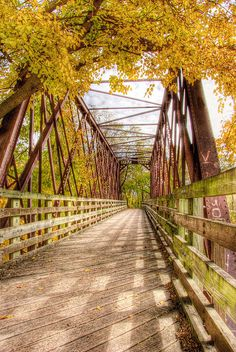 Old bridge over the I&M Canal - Looking over an old railroad(?) bridge that crosses the I&M canal next to Calhoun St. in Morris, IL. Love Bridge, Over The Bridge, Old Bridges, Railroad Bridge, Bridge Design, Jesus Pictures, Covered Bridges, Belle Photo, Pretty Pictures