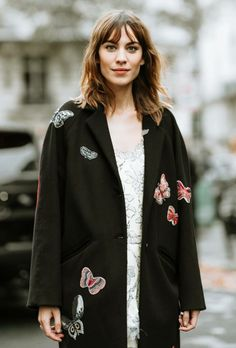 Alexa Chung at Valentino fashion show during Paris Fashion Week SS18 (01.10)