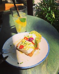 ☕️ late breakfast...când ești liber sâmbăta și ai toată ziua doar pentru tine 😇 #me #breakfast #goodmorning #doctor #doctorlife #drlazarescu #doctorlazarescu #alone #weekend