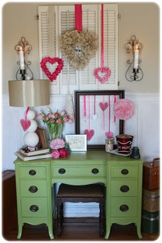 Tips for Creating a Valentine's Day Vignette – A Wonderful Thought - Valentinstag My Funny Valentine, Valentine Day Love, Valentine Day Crafts, Valentines Sweets, Vintage Valentines, Happy Hearts Day, Hanging Hearts, Look Vintage, Valentines Day Decorations