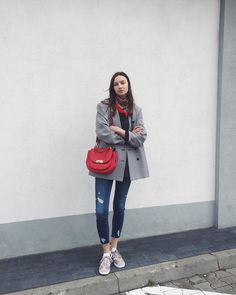 How To Put A Scarf On Your OOTD And Slay?