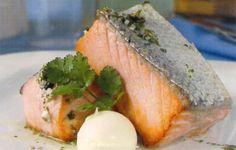Receta de Filete de salmón a la mantequilla en http://www.recetasbuenas.com/filete-de-salmon-la-mantequilla/ Prepara un sano plato de pescado de filete de salmón a la mantequilla de forma fácil y rápida. Una forma muy sencilla de preparar un plato de salmón.  #recetas #Pescado #salmon