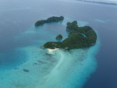 One of the most wonderful mini-states from the Pacific. Read more: http://www.imperatortravel.ro/2017/02/dincolo-de-capatul-lumii-ep-1-palau-o-scurta-introducere.html