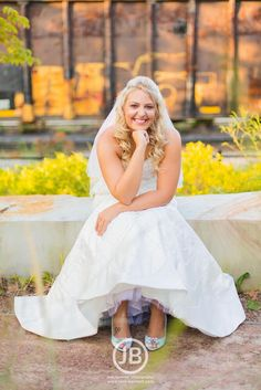 Beautiful downtown Nashville TN bridal portrait inspiration and ideas. Bridal photo by Josh Bennett Photography - www.josh-bennett.com