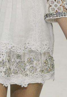 chiffonandribbons:    Jessica Clarke, Dolce & Gabbana S/S 2011