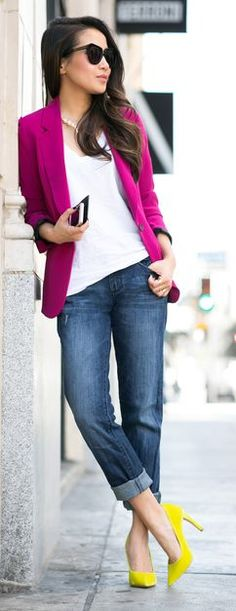 blazer rosa maravilha com scarpin amarelo! fcou muito show!