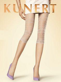 De luchtige Corsaire capri legging van Kunert valt niet alleen op door het prachtige, opengewerkte dessin, maar vooral ook door de aparte beige kleur die met veel kledingstukken gecombineerd kan worden. Het motief loopt helemaal door tot aan de dunne tailleband, dus ook met iets korts kun je deze Corsaire legging prima dragen.