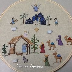 Resultado de imagen para pesebres con botones Christmas Buttons, Christmas Sewing, Christmas Nativity, Diy Christmas Ornaments, Christmas Cross, Xmas Crafts, Felt Christmas, Christmas Decor, Nativity House