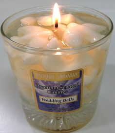 11 oz Wedding Bells Gel Scented Candle-A delicious vanilla wedding cake scent