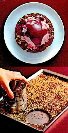 Recipe: Peppermint Brownie Rounds (using brownie mix, Betty Crocker, 1970) - Recipelink.com