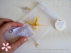 Lembrancinhas com o explicativo sobre o tsuru - http://blog.sakuraorigami.com.br/2013/05/lembrancinhas-de-nascimento-do-andre.html #origami #tsuru