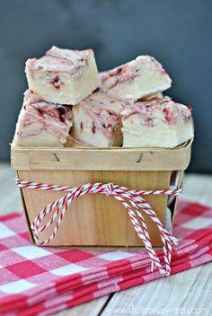 White Chocolate Raspberry Fudge: creamy white chocolate fudge with a swirl of raspberry preserves!