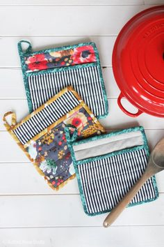 Learn How to Sew a Simple Potholder for Your Kitchen