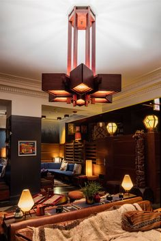 The Logan Square Hotel in Philadelphia, USA. Furnished with custom design pendants, lamps and wall sconces from the Crystal Valley, the guestrooms, corridors, ballroom and meeting rooms are a reimagination of the iconic hotel in the hub of the city. Delivered in cooperation with Design Associates seated in Seattle #design #light #lighting #lamp #chandelier #elegance #hotel #hospitality