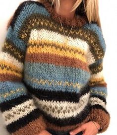 Bring your knitting to life with our super-chunky knitting patterns. Ideal for quick-knits, scarves and arm-knitting. Great for beginners and experts alike. Warm Sweaters, Casual Sweaters, Loose Sweater, Long Sleeve Sweater, Rainbow Sweater, Look Boho, Sweater Knitting Patterns, Red Fashion, Fashion Women